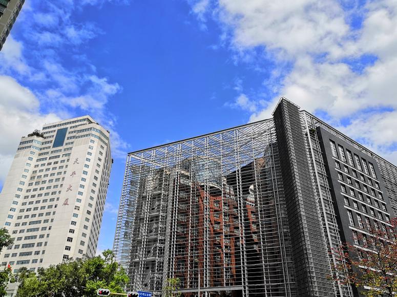 露脸!前海国际会议中心项目37天幕墙屋面完工