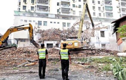 宝安十街道合力拆除违建20510平方米